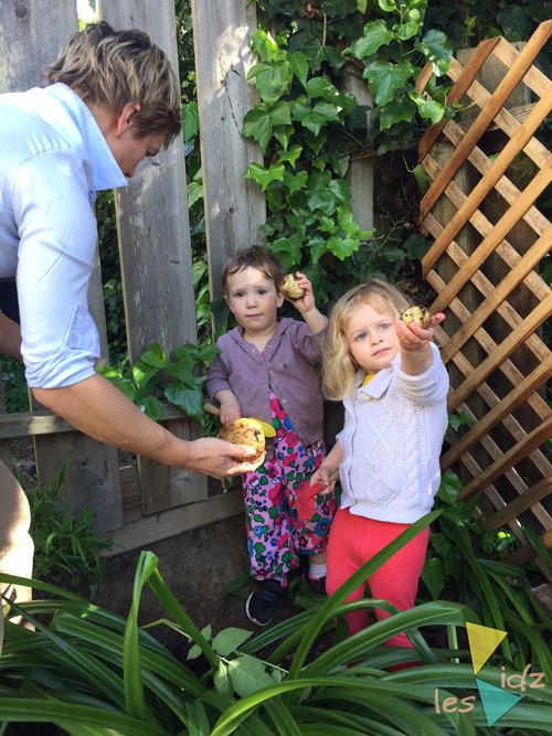 Les Kidz growing veggies